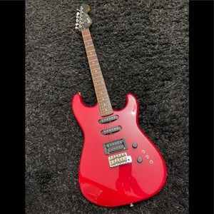 Guitar in excellent condition.